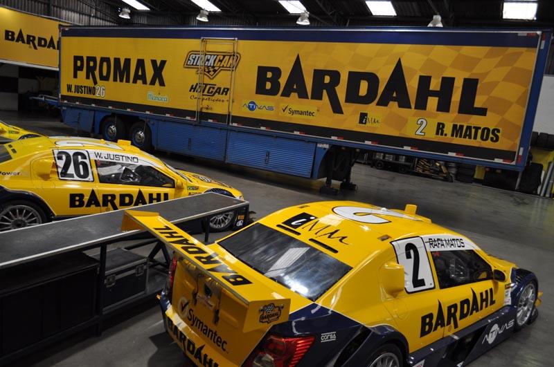 garaje y trailer